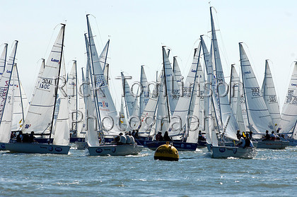 SCW07-0009   Skandia Cowes Week 2007 day 1, Saturday August 4 SB3 Fleet start   Keywords: Skandia Cowes Week 2007 day 1, Saturday August 4 SB3 Fleet start
